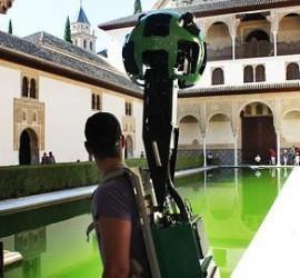 Fotografía de voluntario de Google Trekker grabando en la Alhambra