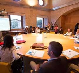 """Reunión para aplicar la tecnología """"Tag Cloud"""" en la Alhambra de Granada"""