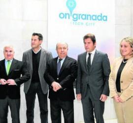Fotografía de los responsables del proyecto On Granada Tech City presentando el nuevo proyecto de invesión en tecnología móvil