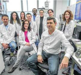 Fotografía de los componentes del equipo de investigación de la empresa granadina Genyo dedicados a investigar la enferedad de Wiskott-Aldrich