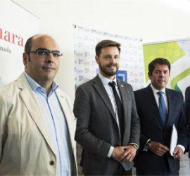 Fotografía de los presidentes de la Cámara de Comercio de Granada, la Confederacion Granadina de Empresarios y de la UGR en la presentación del Club de Emprendedores Granada