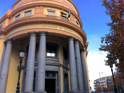 """Antigua Facultad de Medicina de Granada, ahora transformada en un centro para emprendedores llamado """"Breaker"""""""