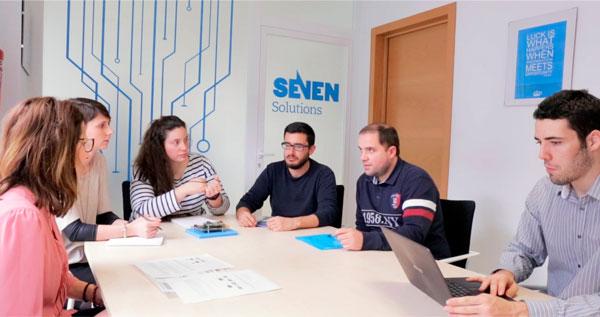 Equipo de Seven Solutions, la spin off de UGR que ha implantado su tecnología para la precisión del tiempo en la Bolsa de Alemania.